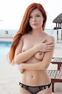Redhead sweety Mia Sollis