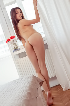 Russian Iva is nude at home