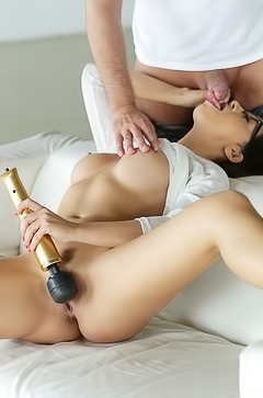 Julia De Lucia is fucking with dick and vibrator