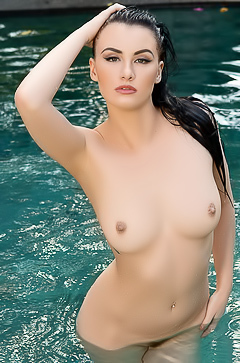 Skylar Leigh is swimming naked