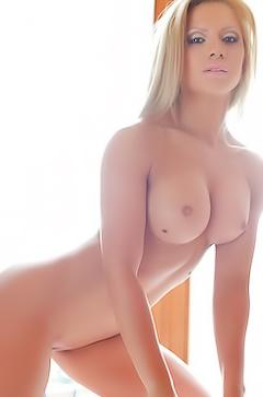 Naked sports babe Agnes