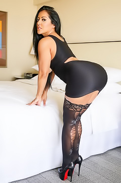 Kiara Mia - massive butt