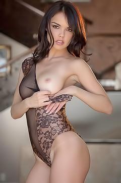 Super hot porn-model Dillon Harper