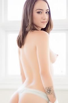 Lily Jordan is stripping so nice