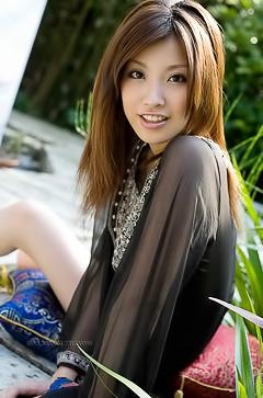 Sweet asian Reira Amane
