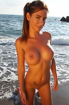 Alexa I - boobed babe in the sea