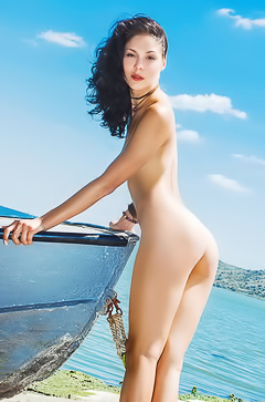 Amazing Callista B - naked on the boat