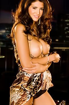 Playboy milf model Hope Dworaczyk