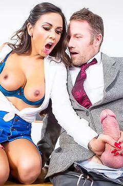 Roxxy Lea fucking at school