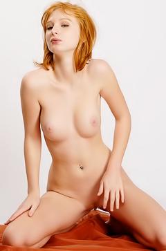 Clelia - redhead naked slut
