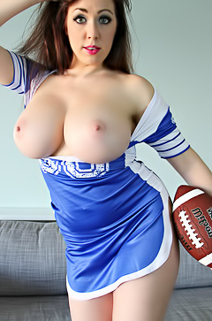 Boobed cheerleader Kayla Kiss