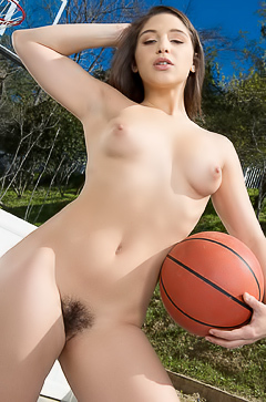 Hairy Abella Danger loves basketball