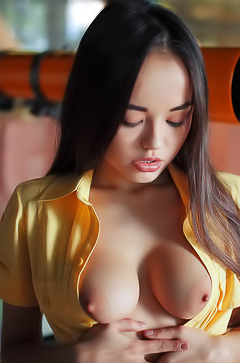 Li Moon shows asian tits