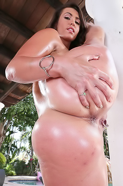 Big wet ass of Kelsi Monroe