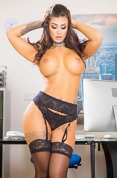 Stunning secretary Susy Gala