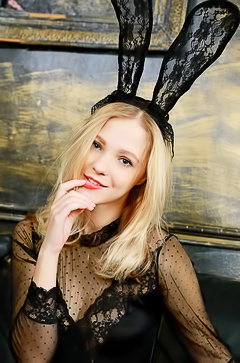 Sexy blonde bunny Mia Chance