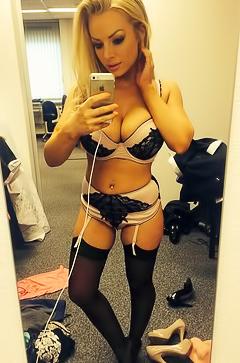 Sexy nude selfies
