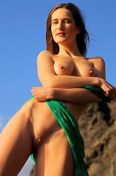 Sexy Girl Vaona Strips On Rocks