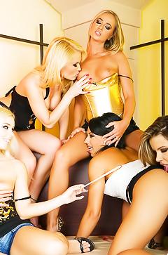 Glamour lesbian orgy