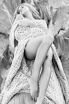 Charlotte McKinney and her best pics
