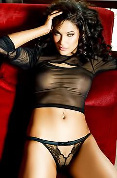 Nude Tanimara Teterissa from Netherlands