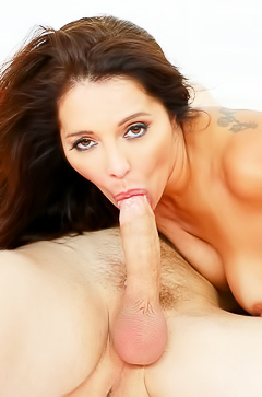 Francesca Le is sucking so hard