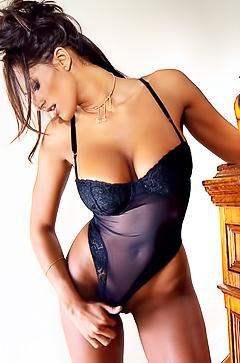 Sporty mature pornstar Dorothy Teixeira