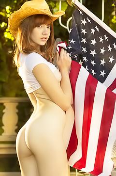 Nude American Teen Lena Anderson