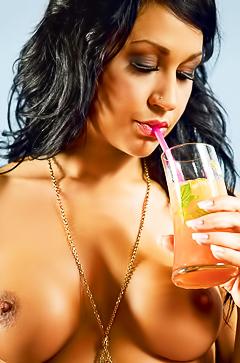 Nude latin star Masa Sitar