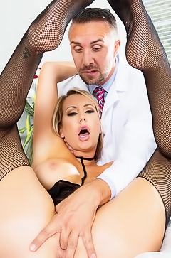 Brett Rossi is fucking with her doctor