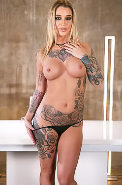 Tattooed Ana Foxxx is getting naked