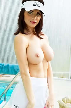 Emma Glover - sporty babe with amazing tits