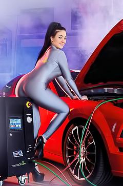 Ilona Kondic stripping by Mustang