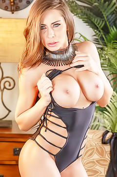 Madison Ivy shows huge silicone tits