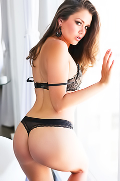 Allie Haze and her amazing curves