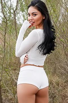 Sexy Pia Marzo in tight panties