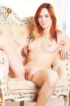 Redhead Kelly G spreading legs