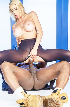 Pornstar Alexis Fawx in hardcore action