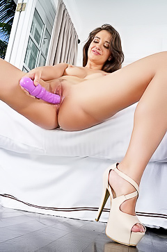Gia Paige is dildoing so hard