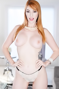 Interview with hot redhead Lauren Phillips
