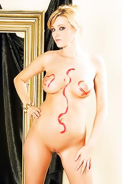 Sexy milf Carli Banks