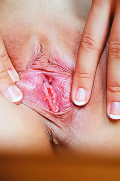 Kika and her pink hole