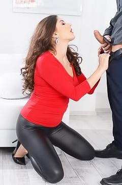 Hush Anal With Francesca Dicaprio
