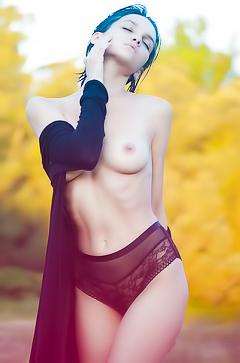 Sexy Russian Babe Maria Demina